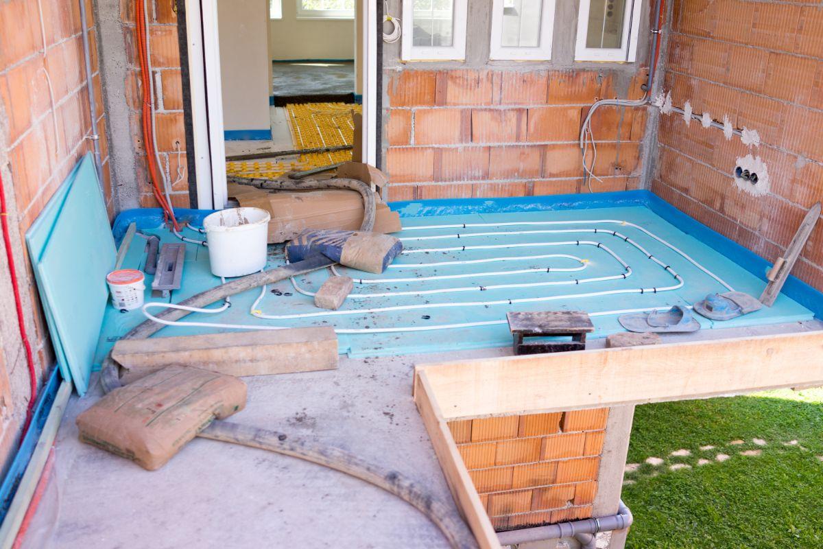 Riscaldamento A Pavimento E Raffreddamento raffrescamento a pavimento: come funziona, pro e contro - eterra
